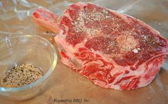 Top 10 Steak Rub Recipes: Spicy Tomahawk Steak Rub Good steak starts with good seasoning. These steak rubs, most of them with simple ingredients, add flavor and improve crust for a perfect steak. Rub Recipes, Spicy Recipes, Steak Recipes, Cooking Recipes, Grilling Recipes, Dry Rub For Steak, How To Grill Steak, Tomahawk Steak Recipe, Steak Rubs