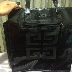 Patent black bag Great to put magazine on the go. Givenchy Bags