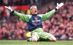 In pics: Manchester United goalkeepers used between Peter Schmeichel's departure in 1999 and Edwin van der Sar's arrival in Peter Schmeichel, Manchester United Images, Manchester United Players, Manchester City, Best Football Players, World Football, Soccer Players, Premier League, Soccer Baby