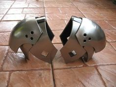 http://i.ebayimg.com/t/Final-Fantasy-VII-Sephiroth-Armor-Cosplay-Prop-Replica-Video-Game-/00/s/NzIwWDk2MA==/z/tbkAAOxyi6hR6QsA/$(KGrHqZ,!ogF...
