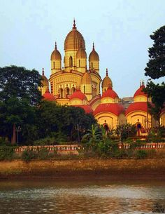 Kolkata, Temple Drawing, Bengali Art, Calcutta, Kali Goddess, Temple Architecture, Hindu Temple, Beautiful Places In The World, India Travel