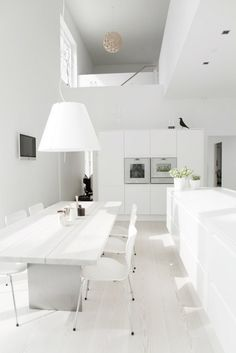 8 Well Hacks: Minimalist Home Design Shelving minimalist kitchen essentials tips.Minimalist Decor Home Simple minimalist kitchen lighting apartment therapy. Minimalist Kitchen, Minimalist Interior, Minimalist Bedroom, Minimalist Decor, Minimalist Living, Ikea Interior, White Interior Design, Kitchen Interior, Interior Modern