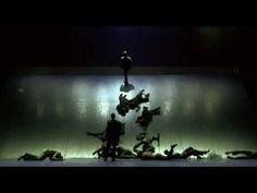 2 - Crawling bodies (Dimitris Papaioannou)