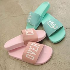 Stroller Fan, Nike Slippers, Wedding Shoes Bride, Melissa Shoes, Fresh Shoes, Hype Shoes, Sneaker Boots, Korean Outfits, Girls Shoes