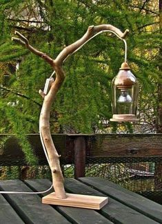Bring nature into the house: 16 DIY craft ideas with branches -.- Hol Dir die Natur ins Haus: 16 DIY Bastelideen mit Zweigen – DIY Bastelideen (Bo… Bring Nature Into the House: 16 DIY Craft Ideas with Branches – DIY Craft Ideas (Bottle) - Driftwood Lamp, Driftwood Projects, Christmas Wood, Outdoor Christmas, Creation Deco, Wooden Lamp, Diy Holz, Bottle Lights, Rustic Outdoor