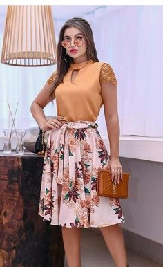 98 + The most popular fashion designs of 2019 all in one - have put together 2019 fashion design for you. African Wear Dresses, Latest African Fashion Dresses, Classy Outfits, Stylish Outfits, Workwear Fashion, Fashion Outfits, Velvet Dress Designs, Crop Top Dress, Modelos Fashion