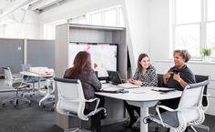 El concepto #LivingOffice de Herman Miller se compone de diversos elementos que conjugados te ofrecen un mejor ambiente de trabajo! #IluminaTuEspacio