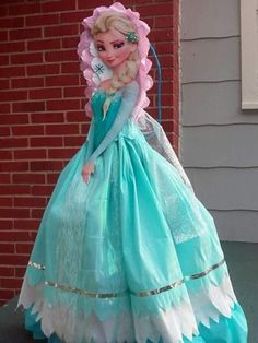 Elsa Birthday Party, Disney Princess Birthday Party, Disney Frozen Birthday, Frozen Theme, Frozen Party, Princess Party, Girl Birthday, Frozen Pinata, Princess Pinata