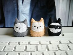 little felt cats
