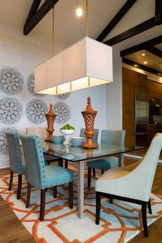 I love absolutely everything about this dinning room!