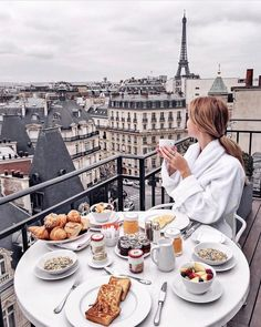 boutique hotel in the heart of amazing Paris! Hote boutique hotel in the heart of amazing Paris! Paris Hotels, Brunch, Triomphe, Breakfast In Bed, Parisian Breakfast, Morning Breakfast, Morning Coffee, Travel Aesthetic, Paris Travel