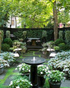 34 marvelous winter garden design for small backyard landscaping ideas 33 Small Courtyard Gardens, Small Courtyards, Small Gardens, Outdoor Gardens, Vertical Gardens, Courtyard Ideas, Front Gardens, Little Gardens, Small Backyard Gardens