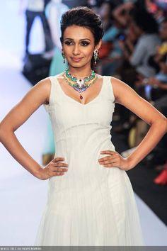 A model walks the ramp for jewellery brand GIA during the India International Jewellery Week. #Bollywood #Fashion #IIJW