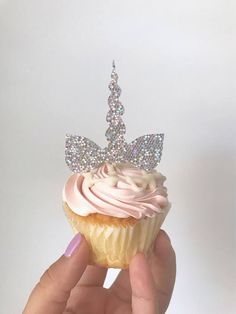 Top your sweets off with the cutest hologram Unicorn cupcake toppers ever! These will look fabulous on your cupcakes. Dimensions ~ Approximately 2.5 inches wide & 2 inches tall not including the pick. Material~ Holigram Card Stock paper & Tooth Pick Please Note ~ These pieces are one