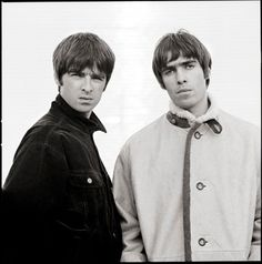 Alan McGee says it will take a 'tragedy' to reunite warring siblings Liam and Noel Gallagher - The man who discovered Oasis and signed them to his independent label Creation Records in 1993 believes it will take some really … Liam Gallagher, Lorde, Banda Oasis, Oasis Album, Wonderwall Oasis, Oasis Music, Liam And Noel, Oasis Band, One Day
