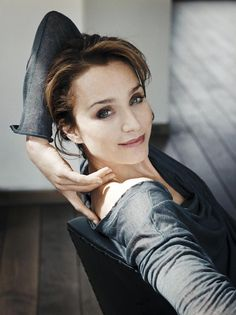 kristin scott thomas; i like the shade of mauve lipstick; looks like victorian rose, pulled together neutral