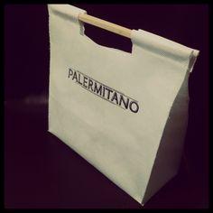 Bolsa Friselina Black Handbags, Leather Handbags, 6 Pack Bag, My Bags, Tote Bags, Everyday Bag, Reusable Bags, Evening Bags, Fashion Bags