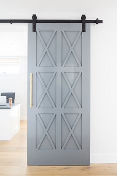 Look at this magnificent interior barn doors for entertainment center - what a v. , Look at this magnificent interior barn doors for entertainment center - what a very creative design and development , Building A Barn Door, Building A House, Building Ideas, Farmhouse Homes, Modern Farmhouse, Farmhouse Decor, Modern Barn, Interior Barn Doors, Interior Door Colors