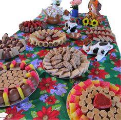 doces de festa junina.07 Happy Birthday Me, Baby Birthday, Peppa Pig, Birthday Party Decorations, Birthday Parties, Mexican Birthday, Fiesta Party, Centre Pieces, Decoration Table