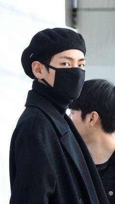 K Pop, Bts Behind The Scene, Bts Maknae Line, V Bts Wallpaper, Rap God, Boy Photography Poses, Bts Aesthetic Pictures, V Taehyung, Hyungwon