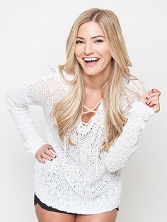knowing that my favorite youtube star does the exact same thing as me makes me feel way better. 5 Things to Know About iJustine, the Queen of YouTube http://www.people.com/article/ijustine-five-things-vidcon