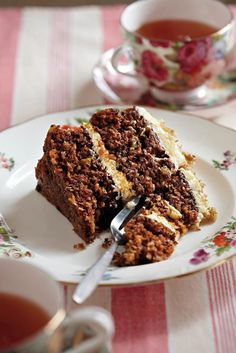 This is probably THE best carrot cake recipe of all time! I've made it a few times and everyone said it was the best they have ever had Baking Recipes, Dessert Recipes, Desserts, Mince Recipes, Baking Ideas, Cupcake Recipes, Salad Recipes, Kos, Ma Baker