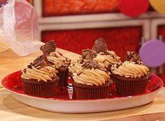 Buddy Valastro's Peanut Butter Cup Cupcakes Recipe