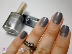 Holographic ando mood nail art. Hagamos nails. Manicura media luna. #grey #holographic #mood #hagamosnails #blogger