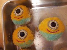 Minion cupcakes Minion Cupcakes, New Hobbies, Minions, Food, Minion Stuff, Meals, Minion