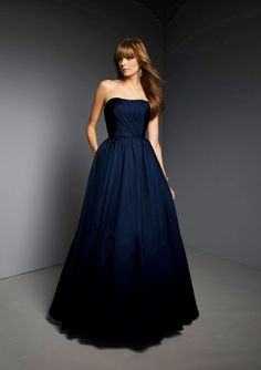 This flow could look nice with my dress. I really like this colour too!
