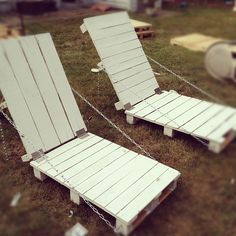 DIY Pallet chairs! adjustable with the chain!