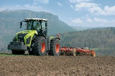 A revised ranged of Xerion #tractors from #Claas now comprises the 530hp 5000, 490hp 4500 and 435hp 4000.