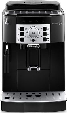 DeLonghi Magnifica S Ecam 22.110.B  DeLonghi Magnifica S ECAM 22.110.B koffiemachine: meerdere malen uitgeroepen tot Beste Koop De DeLonghi Magnifica ECAM S 22.110.B espressomachine is geschikt voor zowel espressobonen als gemalen espressokoffie. Door de eenvoudige bediening van deze espressomachine zet iedereen in een handomdraai de heerlijkste koffiespecialiteiten. Het cappuccinosysteem met stoompijpje mengt stoom lucht en melk en produceert zo een rijke romige schuimlaag. Zo maak je met…