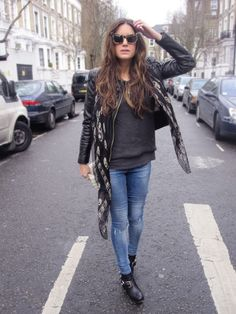 AMLUL.COM: Look of the day.77: wang says MEOW,Alex says MQ