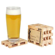 Last minute original gift -> the pallet coasters !