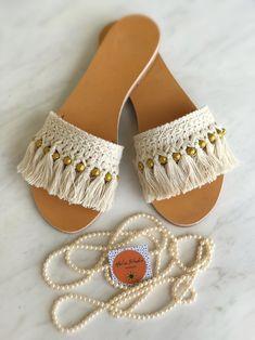 Crochet Shoes Pattern, Shoe Pattern, Crochet Sandals, Crochet Slippers, Fashion Shoes, Fashion Accessories, Shoe Refashion, Macrame Patterns, Leather Sandals