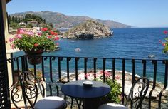 Taormina, #Sicily…need we say more? Check out our insiders guide of where to eat, shop and visit.