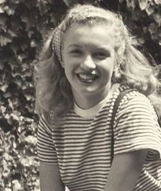Joven Marilyn Monroe, Estilo Marilyn Monroe, Young Marilyn Monroe, Norma Jean Marilyn Monroe, Marilyn Monroe Photos, Old Hollywood, Hollywood Actresses, Rare Images, People Of Interest