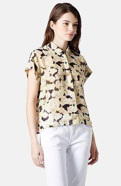 Pin for Later: 15 Blusen für die Arbeit, die nicht langweilig sind Topshop Floral-Print Bluse Topshop Floral Chiffon Shirt ($64)