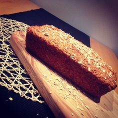 Porridge Bread Ingredients 1 tub of low fat natural yogurt (500 ml) 2 tubs of porridge oats (use the yogurt tub that you just emptied) 2 tsp of baking soda 2 tbsp of oil (you can use coconut oil) A handful of seeds (poppy seeds work really well) oven to 200°C for 45 mins