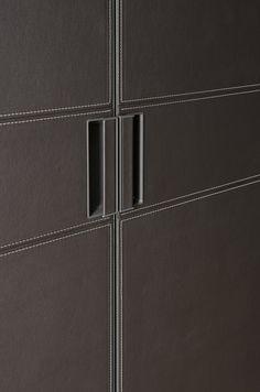 A close up of the Riva handle from IQ Furniture. Wardrobe Handles, Wardrobe Doors, Built In Wardrobe, Bedroom False Ceiling Design, Design Your Bedroom, Luxury Wardrobe, Wardrobe Design, Wall Panel Design, Door Design