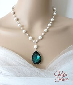 Emerald Teardrop Crystal Pearl Beaded Necklace, Bridal Jewelry, Wedding Jewelry, Swarovski Necklace, Pearl Necklace, Christmas gifts ideas, www.glitzandlove.com, by GlitzAndLove