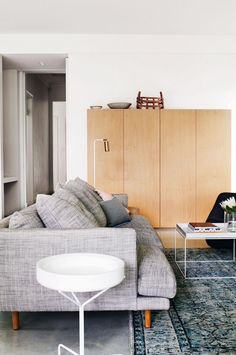 living-couch-home-tour-renovation-joseph-gardner-Prue-Ruscoe-Sept15