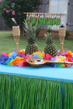 Luau theme parties are perfect for the hot summers and are great for birthdays. Bring the beach to your back yard with luau party ideas. & Vintage Luau | BHGu0027s Best DIY Ideas | Pinterest | Luau Backyard and ...