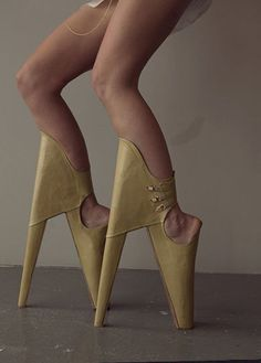 """These are called """"Scary Beautiful Shoes"""". Apparently, """"Scary painful ugly shoes"""" was already taken. Weird Fashion, Fashion Shoes, High Fashion, Bad Fashion, Fashion Wear, Mens Fashion, Crazy Shoes, Me Too Shoes, Weird Shoes"""
