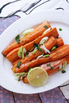 Roasted carrots with honey, lime and spices