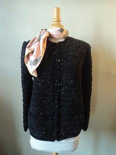 """Petite veste au crochet style """"Chanel"""" ! Modèle gratuit!"""