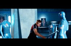 Cato showing off his killer moves in the training center Cato Hunger Games, Hunger Games Trailer, Hunger Games Characters, Hunger Games Movies, Katniss And Peeta, Alexander Ludwig, Trailer 2, Arno, Catching Fire