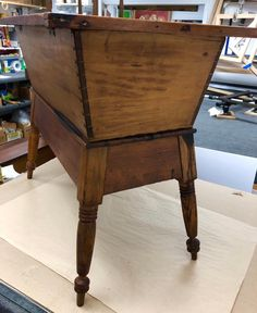 Dough Box, Colonial Kitchen, Selling Antiques, Early American, Country Primitive, How To Antique Wood, Southern, Boxes, Primitives