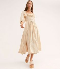 Free People Oasis Dress One of go-to, suits everyone dress style - the Shirred Dress according to Who What Wear Boho Dress, Dress Up, Flowy Midi Dress, Beige Dress Outfit, Dress Shoes, Shoes Heels, Looks Hippie, All Star Branco, Latest Fashion For Women
